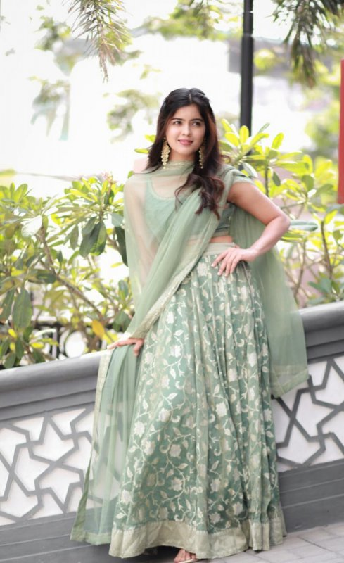 Indian Actress Amritha Aiyer 2021 Wallpapers 8349