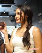 Andrea Jeremiah Tamil Heroine New Pictures 2148