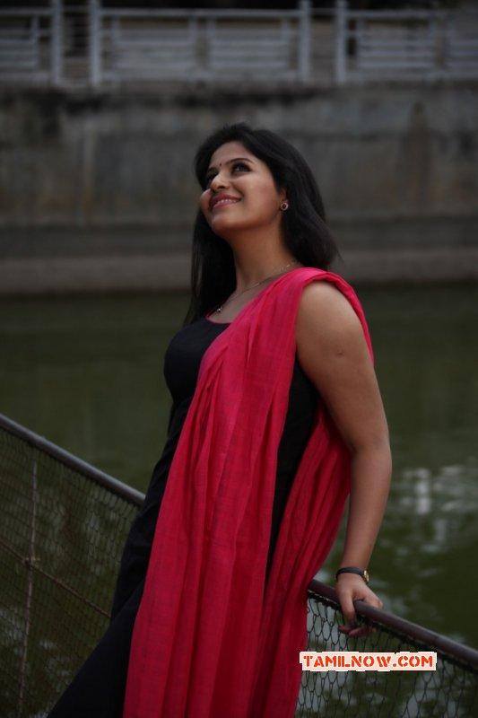 Anjali Mar 2016 Still 9946