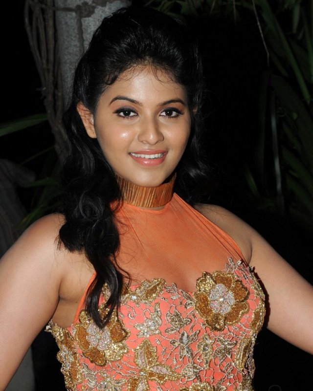 Cinema Actress Anjali New Images 9322