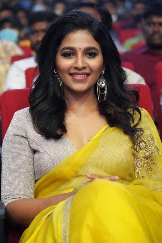 Tamil Actress Anjali Wallpapers 2977