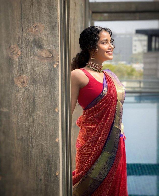 Album Anupama Movie Actress 1681