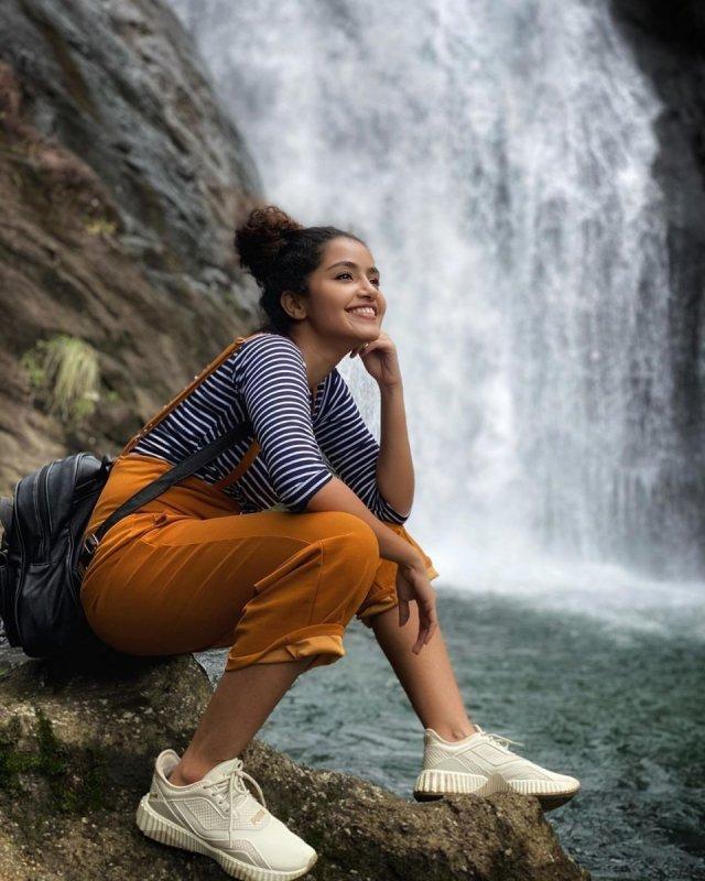 Anupama Film Actress Latest Albums 9406