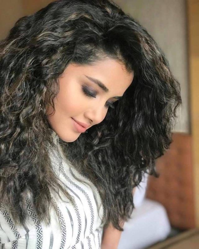 Jul 2019 Album Movie Actress Anupama 5075