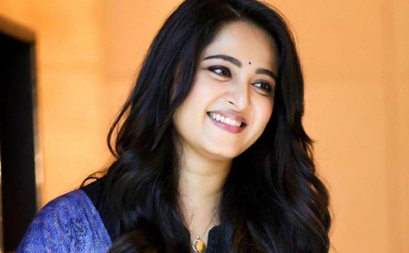 Cinema Actress Anushka Shetty New Stills 9740