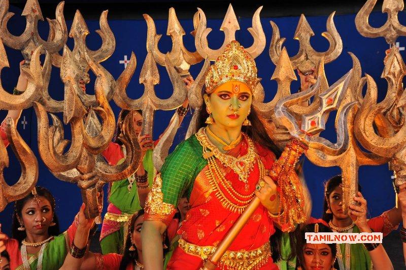Latest Pictures Actress Anushka Shetty 2011