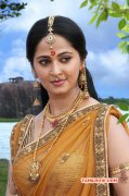 South Actress Anushka Shetty New Pics 6250