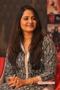Latest Pictures Anushka Actress 7769
