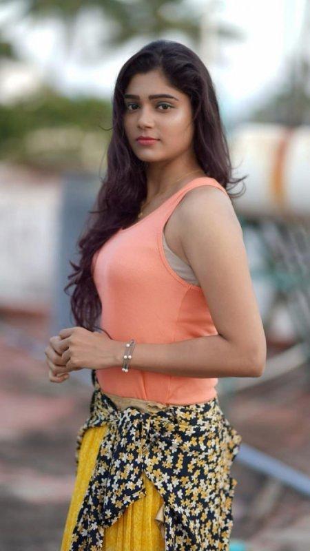 Pollatha Ulagil Bayangara Game Actress Aradya Still 563
