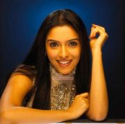 Tamil Actress Asin Stills 8134