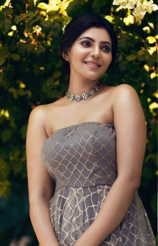 Athulya Ravi South Actress Latest Still 4560