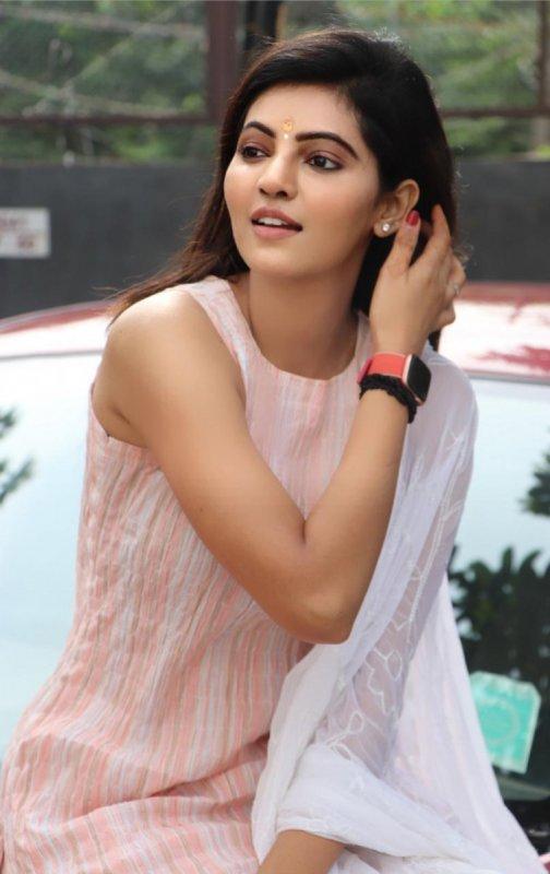 Athulya Ravi South Actress Recent Stills 4292