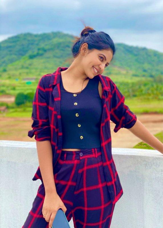 Cinema Actress Athulya Ravi Dec 2020 Galleries 8547