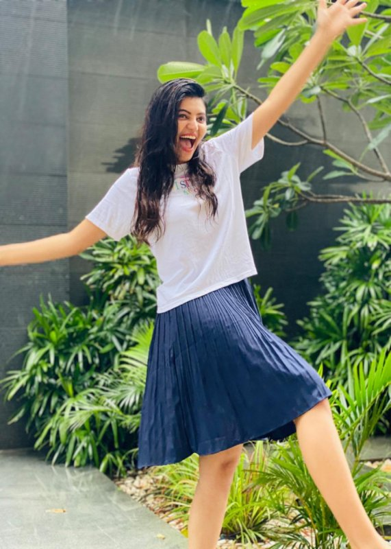 Indian Actress Athulya Ravi 2020 Pics 6409