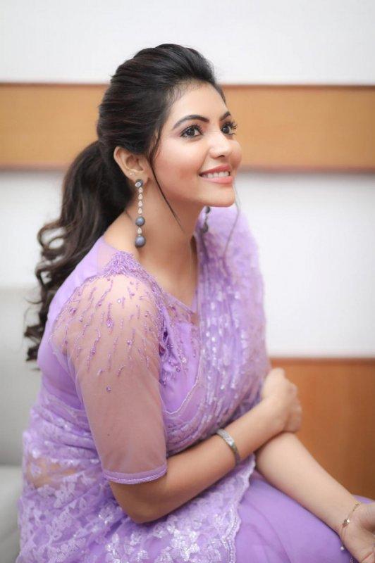 Latest Photos Cinema Actress Athulya Ravi 8169