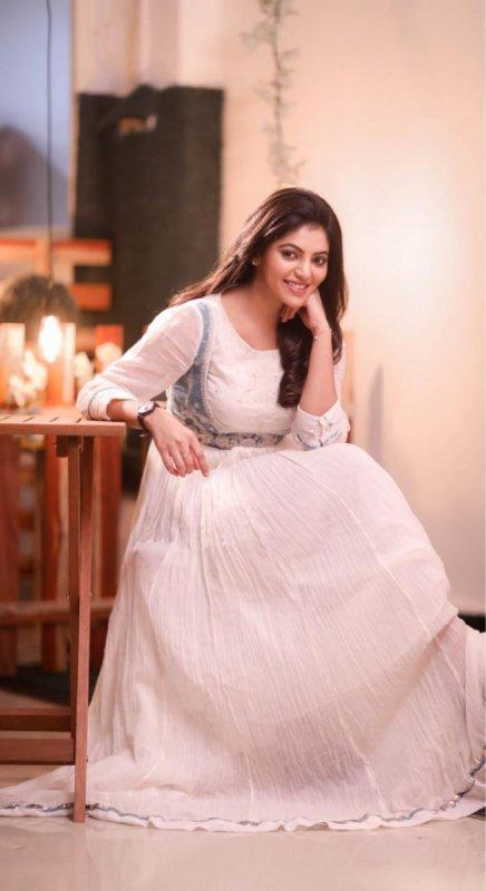 Latest Picture Movie Actress Athulya Ravi 8926
