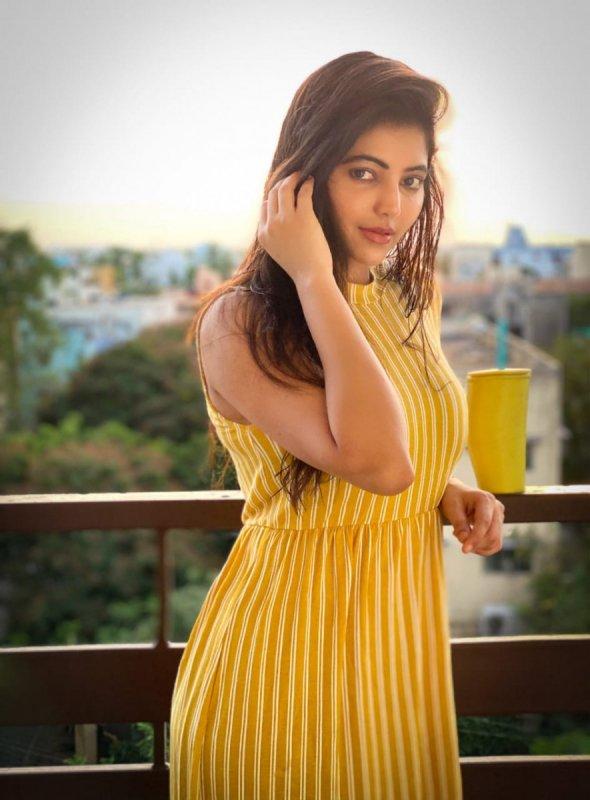 Movie Actress Athulya Ravi Recent Pic 6807