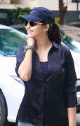 Picture Film Actress Athulya Ravi 8341