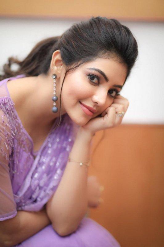 Recent Image Tamil Movie Actress Athulya Ravi 2054