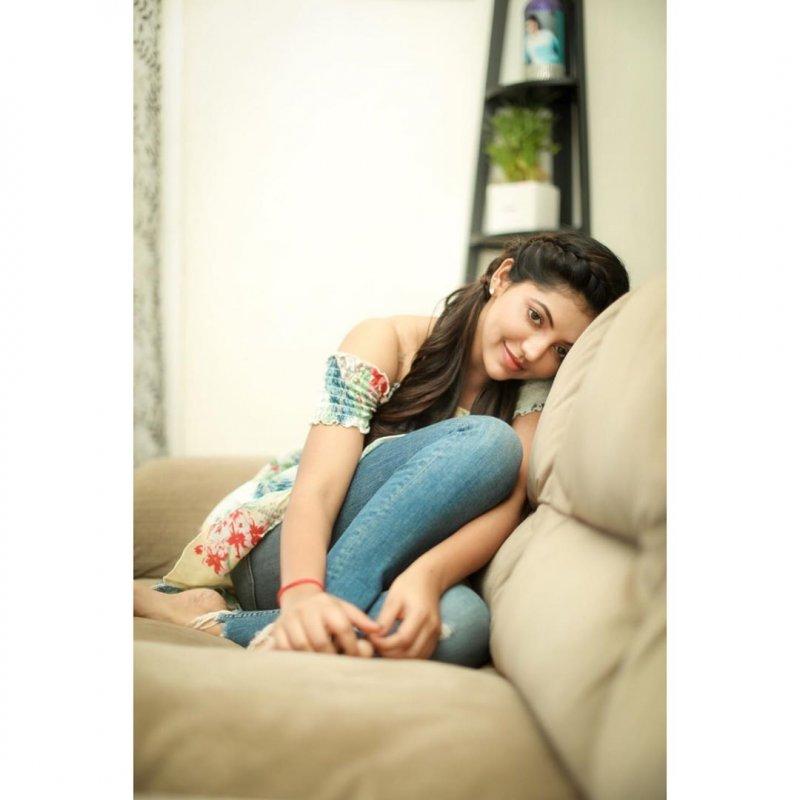Recent Images Athulya Ravi Film Actress 4701
