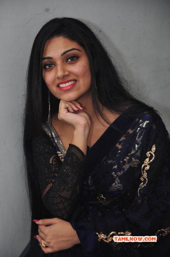 Film Actress Avantika Mohan New Image 5156
