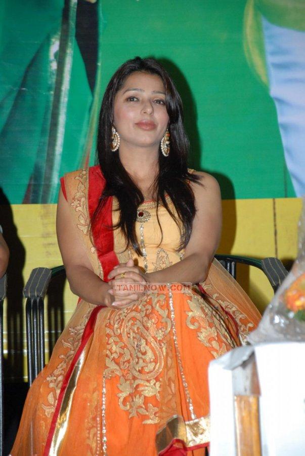 Actress Bhumika Chawla 3868