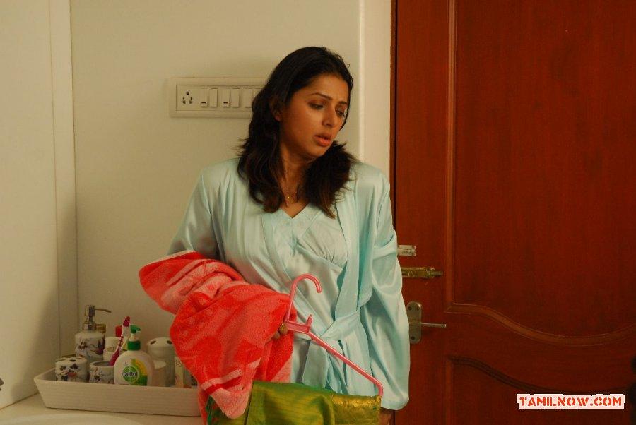 Actress Bhumika Chawla 8324