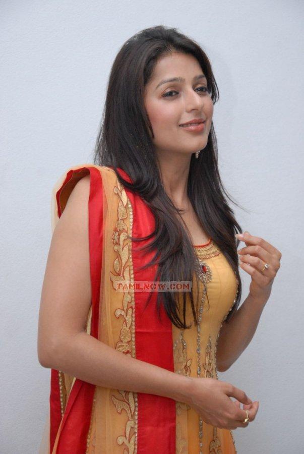Bhumika Chawla 1280