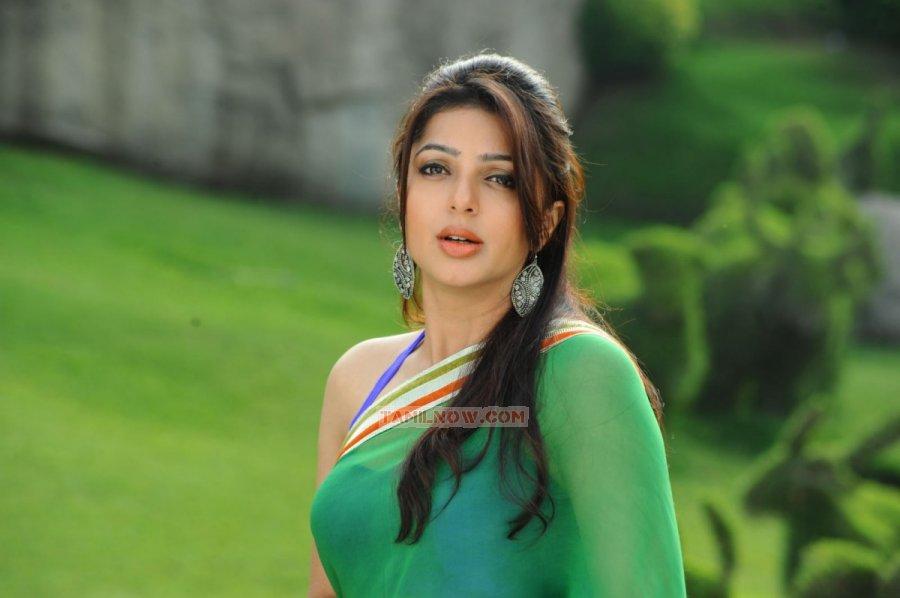 Bhumika Chawla 6157
