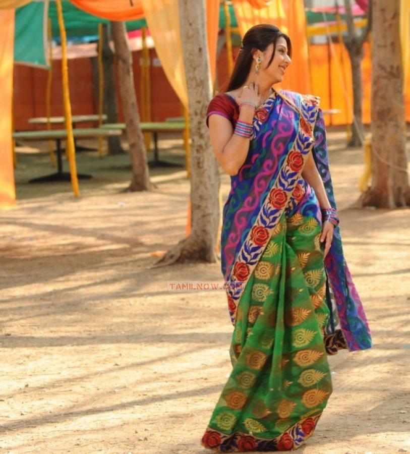 Bhumika Chawla 7584