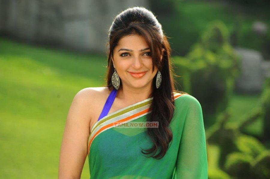 Tamil Actress Bhumika Chawla Photos 2173