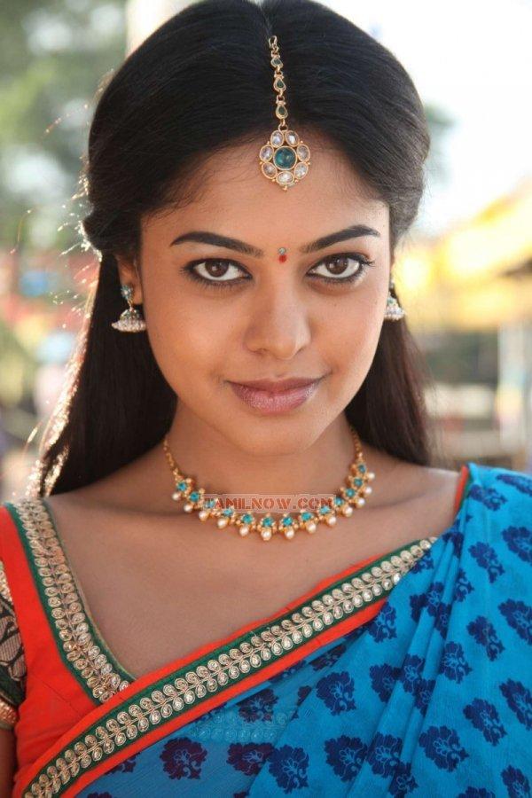 Actress Bindu Madhavi 4406
