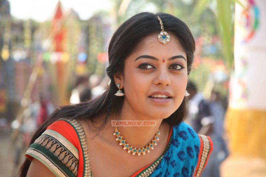 Bindu Madhavi 3756