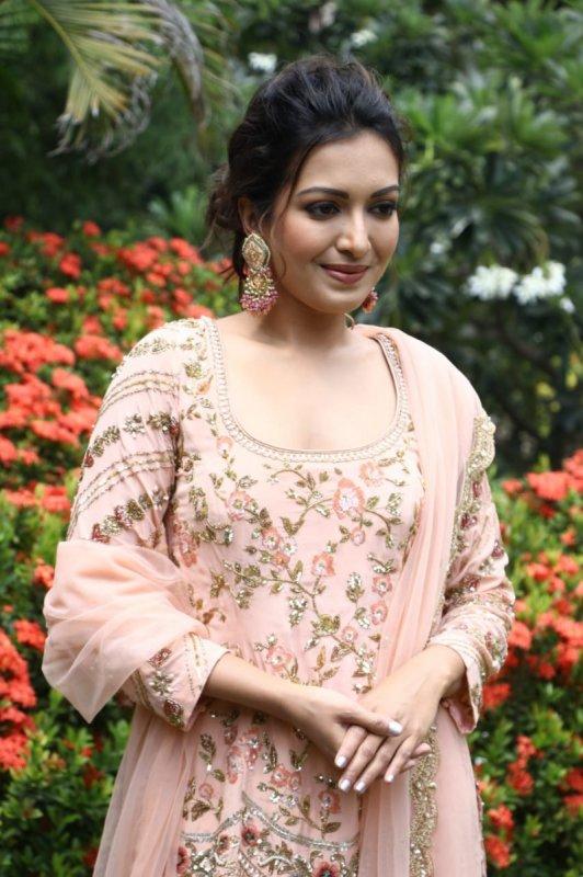 Tamil Actress Catherine Tresa Latest Stills 7327