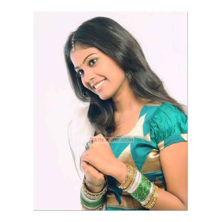 Tamil Actress Chandini Stills 7120