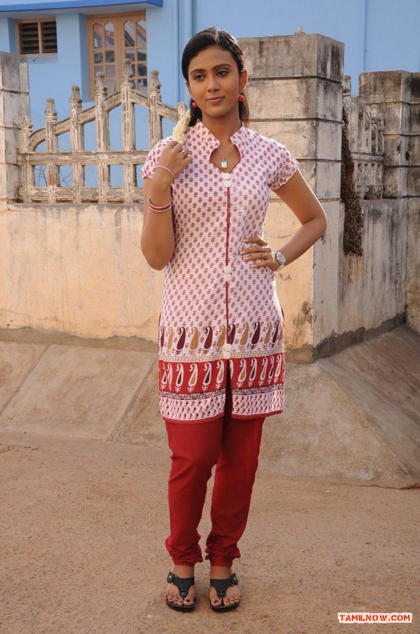 Tamil Actress Darshana 3707