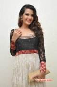 Deeksha Panth Tamil Actress Recent Picture 4728