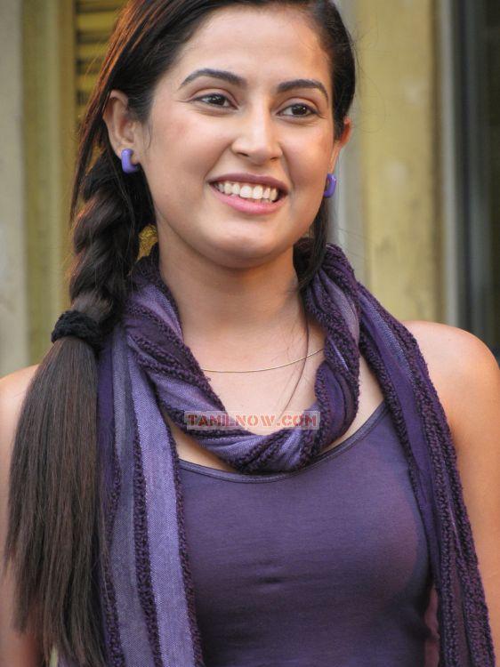 Actress Disha Pandey 9044