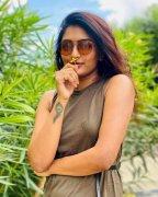 Eesha Rebba Movie Actress Pics 9610
