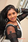Eesha Heroine Latest Stills 3956