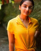 New Pic Tamil Actress Esther Anil 9589