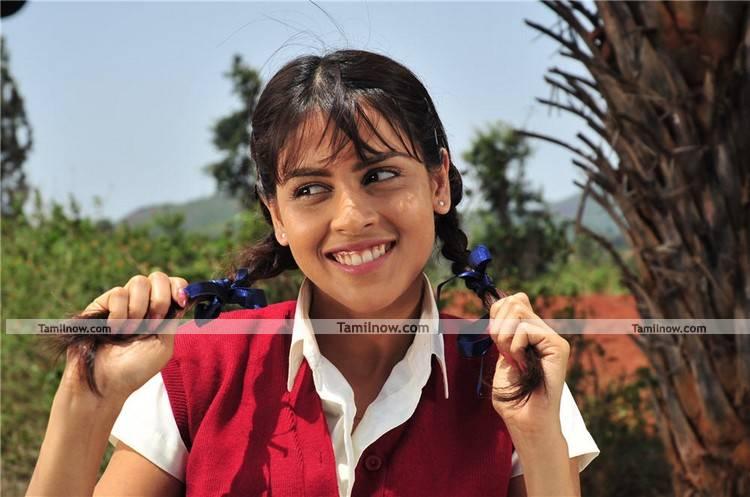 genelia d souza still 7   tamil actress genelia photos