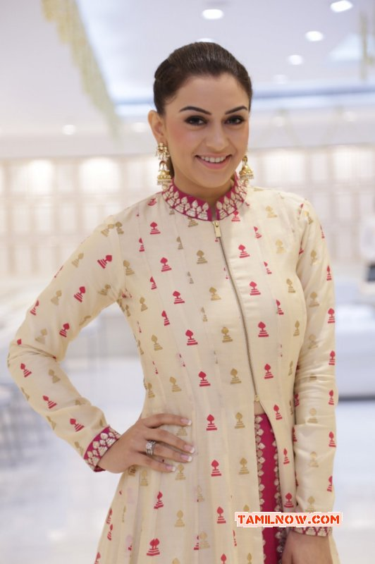Hansika Saravana Stores Padi Launch Photo 467