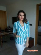 Recent Still Actress Hansika Motwani 2271