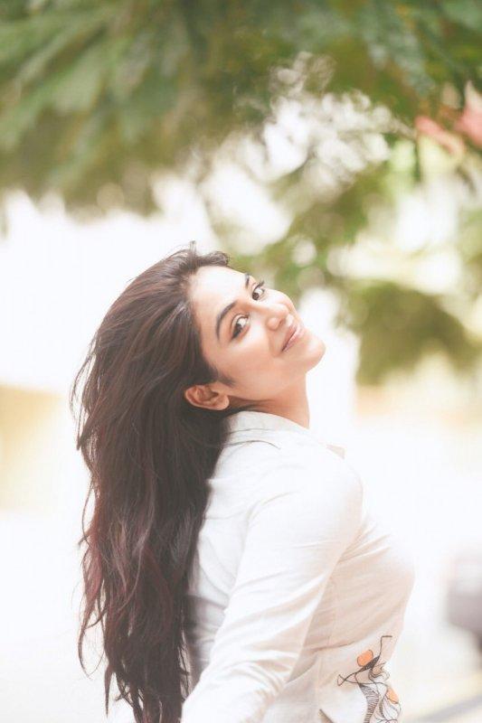 2019 Photo Tamil Heroine Indhuja 5018