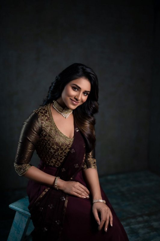 Actress Indhuja Aug 2020 Wallpaper 5139