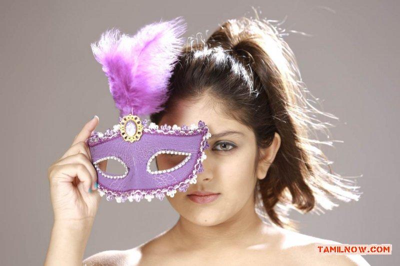 Actress Ishita 9509