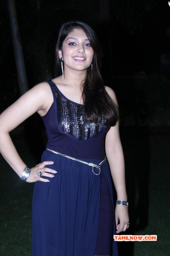 Gallery Movie Actress Ishita 2014