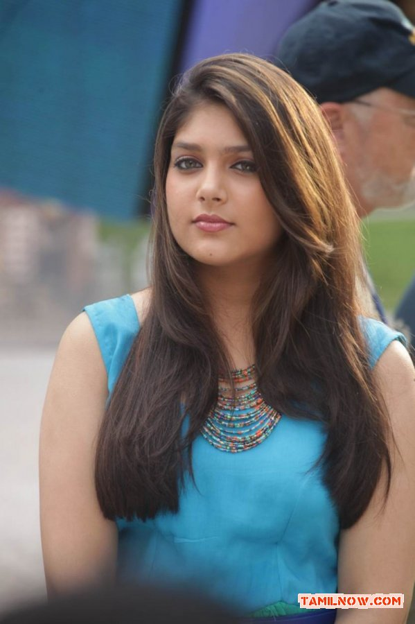Tamil Actress Ishita 245
