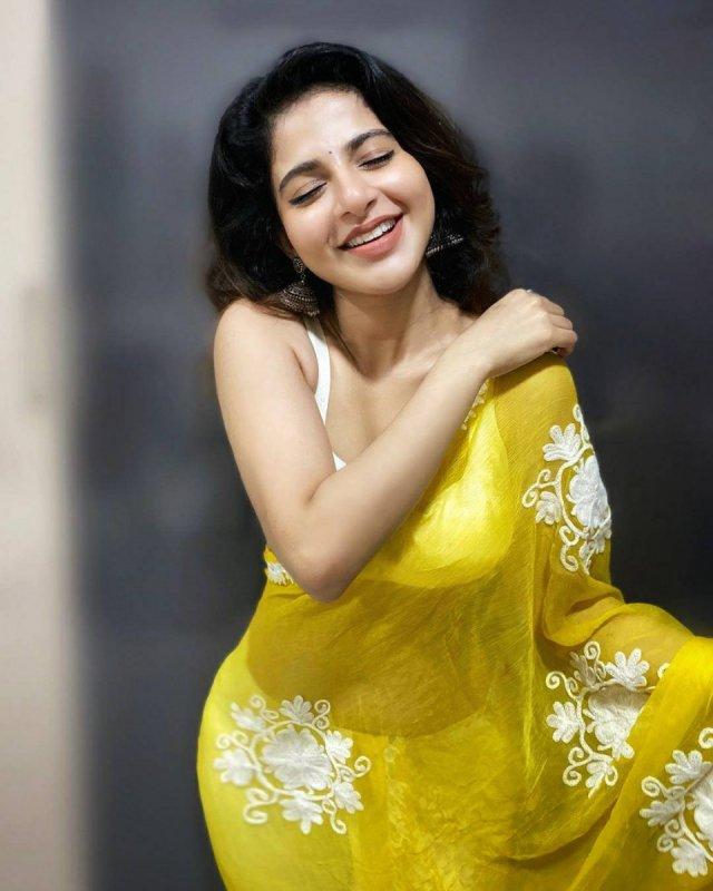 Latest Photos Iswarya Menon Tamil Movie Actress 8939